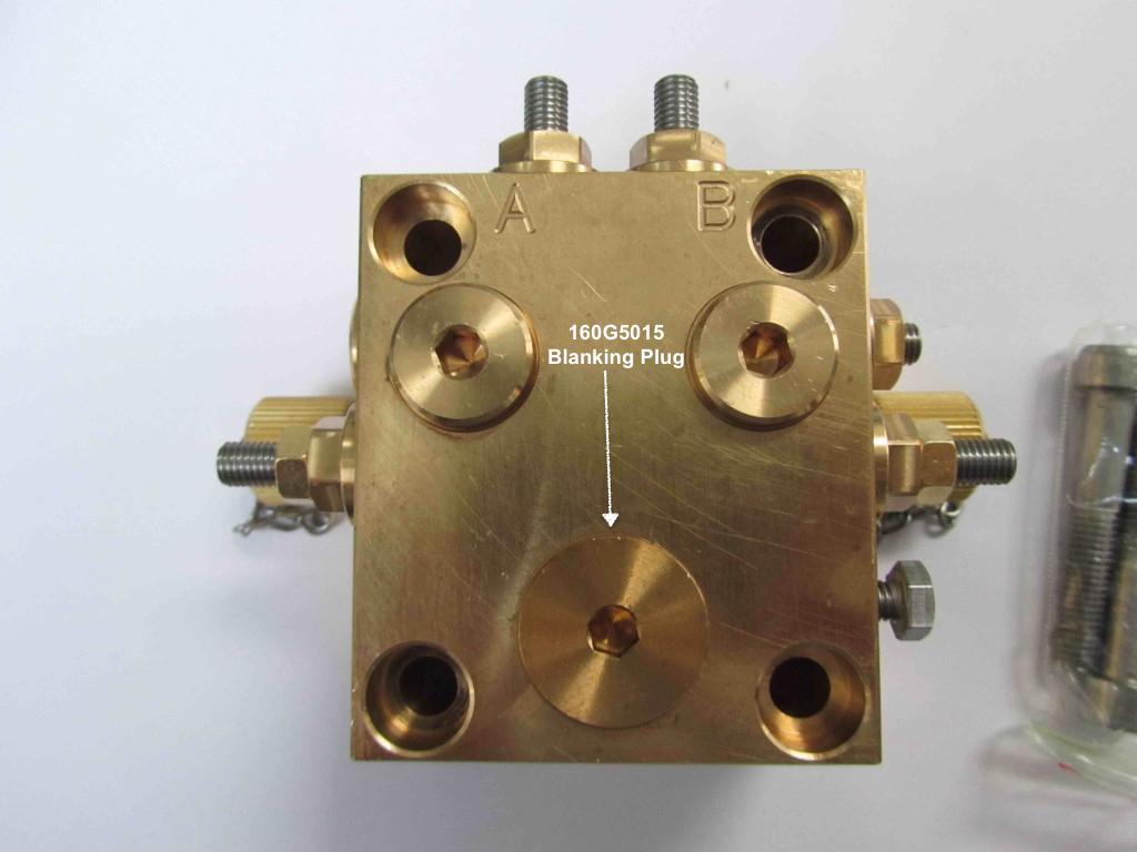 160G5015 Plug